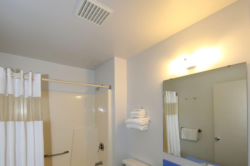 Izba typu Deluxe, 2 veľké dvojlôžka - Kúpeľňa