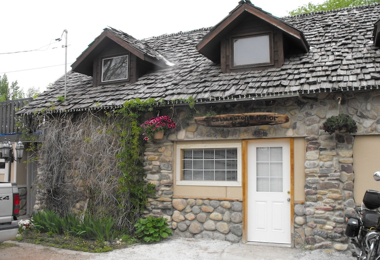 Cobblestone Manor Bed and Breakfast, Cardston
