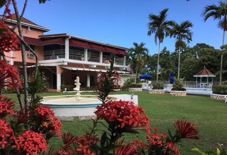 Silver Creek Resort, Runaway Bay, Innenhof