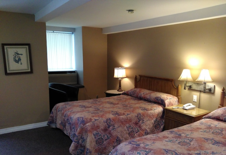 Clothier Mills Inn Motel, North Grenville, Family Room with Kitchenette., Guest Room View