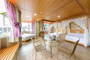 Hualien bölgesindeki Owl Castle Bed and Breakfast resmi