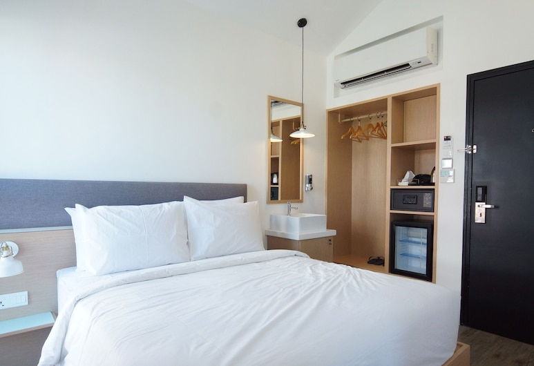 Container Hotel Penang, George Town, White Room (attached bathroom) , Værelse