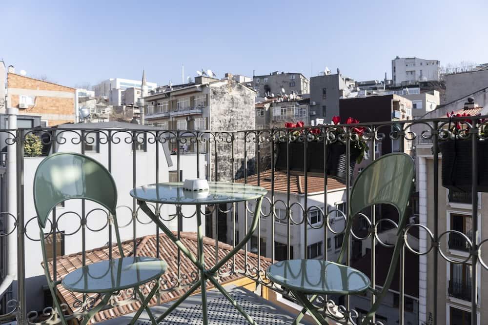 דירה, חדר שינה אחד, מרפסת (Additional Building) - מרפסת