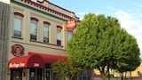 Reserve this hotel in Artesia, New Mexico