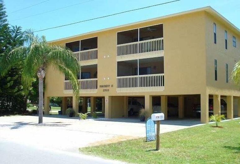 Seacrest II Condominium by Island Vacation Properties, Holmes Beach