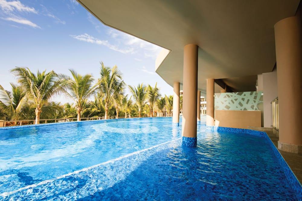 Oceanfront Honeymoon Suite  - Terrace/Patio