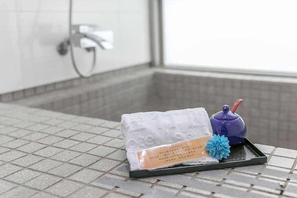 尊尚四人房 - 浴室