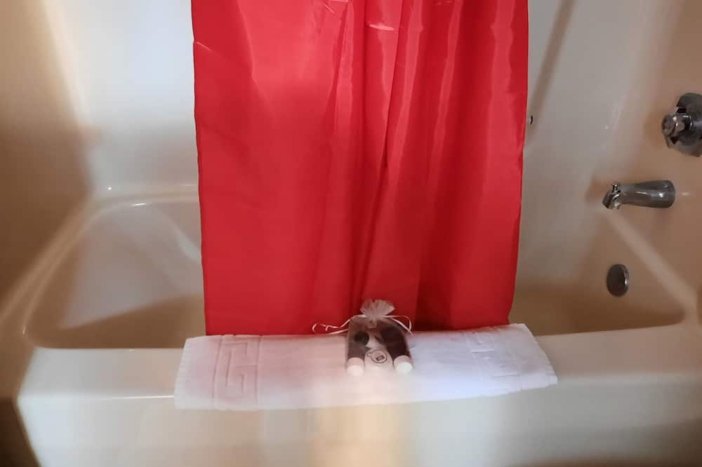 Standard Room, 2 Double Beds - Deep Soaking Bathtub