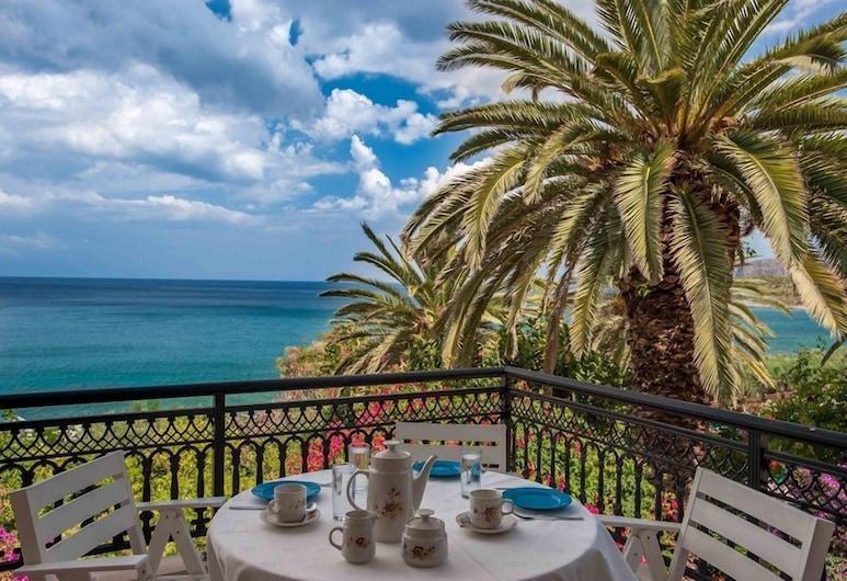 دوكا سيفرونت ريزيدنسز, مونيمفاسيا, منزل سوبيريور - بمنظر للبحر, الغرفة