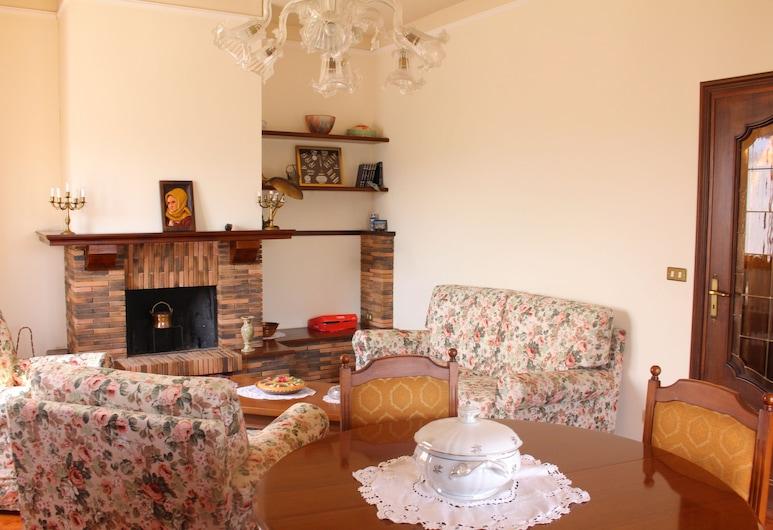 카세 바칸차 임페리아, 임페리아, 아파트, 침실 3개 (Via Caramagna 140, Caramagna), 거실 공간