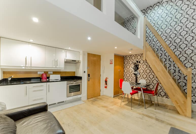 Hyde Park Superior Apartments, London, Duplex Superior - kök, Vardagsrum