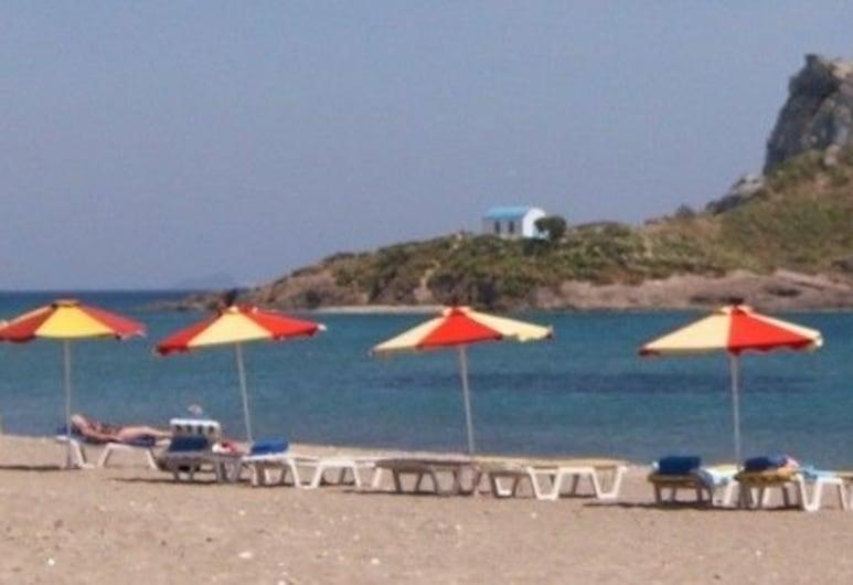 إيونيكوس هوتل, كوس, الشاطئ
