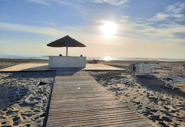 Hotel Bing, Rimini, Beach