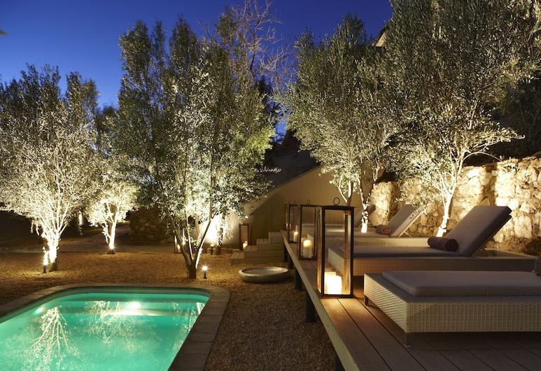 The Olive Exclusive All-Suite Hotel, Виндхук, Открытый бассейн