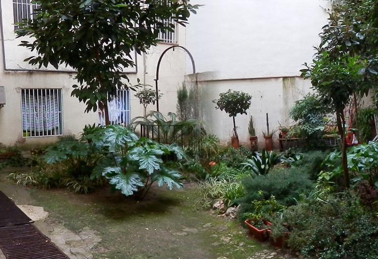Hostal del Pez Azul, Madrid, Garten