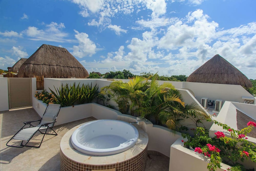 Luxury Penthouse, 3 Bedrooms, Jetted Tub, Pool View - Terrace/Patio