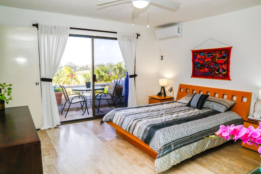 Family Apartment, 2 Bedrooms, Lagoon View, Lakeside - Guest Room