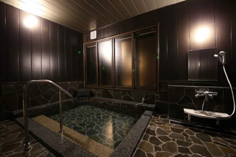 Люкс «Премиум», для людей с ограниченными возможностями, вид на горы - Ванная комната