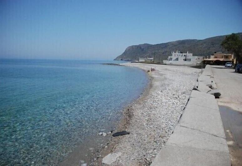 Socrates Apartments & Restaurant, Agios Nikolaos, Beach