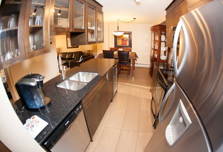 Corporate Suites of Calgary - Eightwelve, Calgary, Suite, 2 Bedrooms, Private kitchen