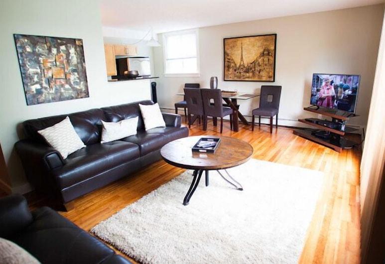 Corporate Suites of Calgary - Sunnyside, Calgary, Condo, 2 Bedrooms (Uptown 2BSS), Living Room