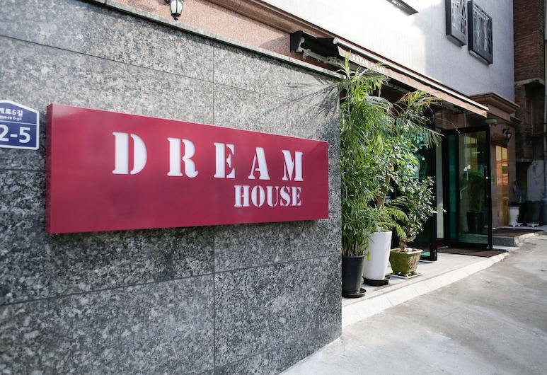 Dream Guest House, Soul