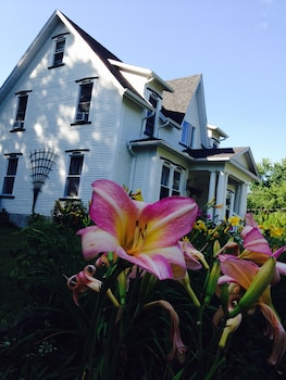 Picture of B&B Hillhouse in Lac-Brome