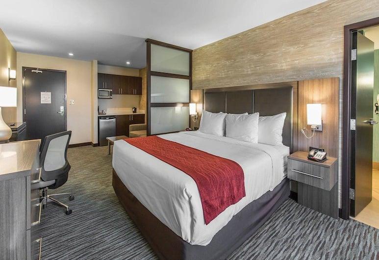 機場北凱富套房酒店, 卡加立, 套房, 1 張特大雙人床及 1 張梳化床, 客房