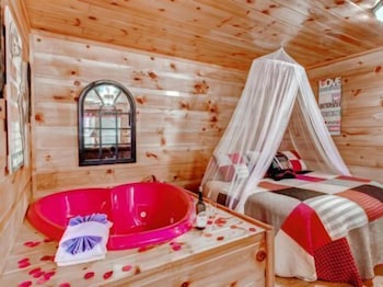 Picture of Affordable Cabins In The Smokies in Pigeon Forge