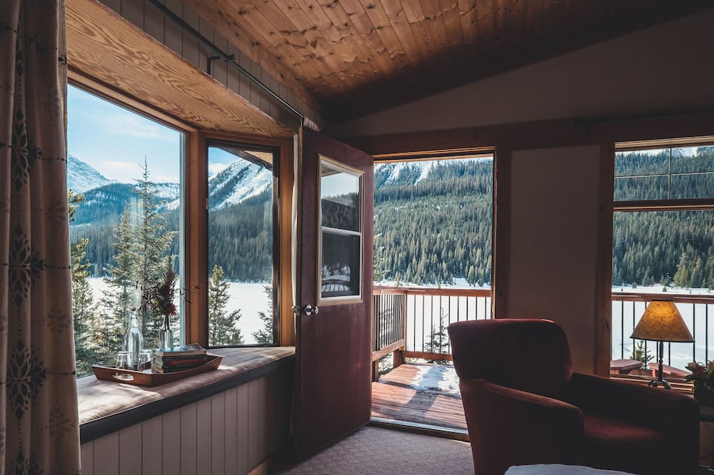 Chambre, 1 grand lit, balcon, vue montagne (Birdwood or Burstall) - Coin séjour