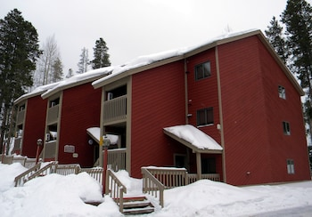 Picture of Indian Peaks Resort in Fraser