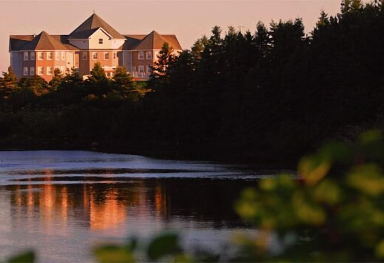 Point of View Suites, Louisbourg, Exterior
