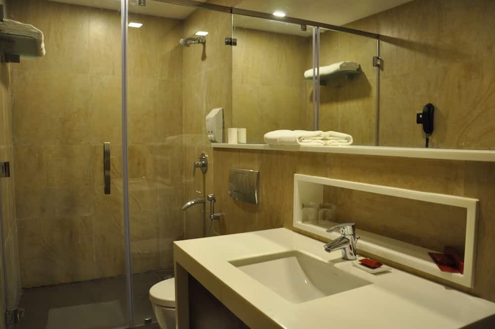 Executive szoba, 1 king (extra méretű) franciaágy - Fürdőszoba