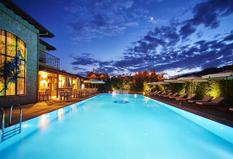 Renka Hotel & Spa, Fethiye, Restaurante al aire libre