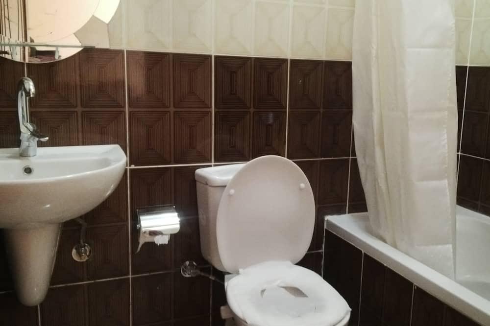 Comfort Triple Room, Bathtub, Garden Area - Bilik mandi