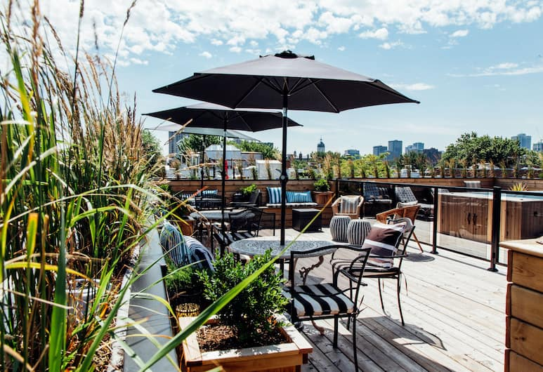 leQube Apartments, Montreal, Rooftop Pool