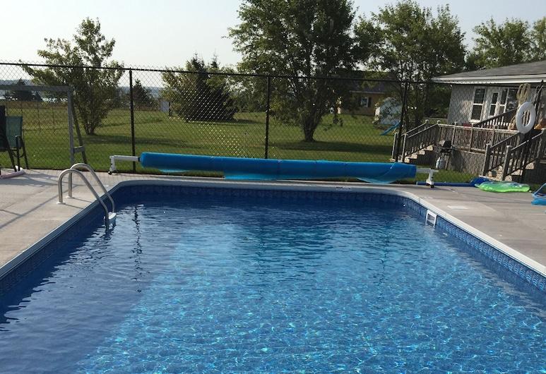 编梦者小屋暨度假屋, 北郊, 室外游泳池