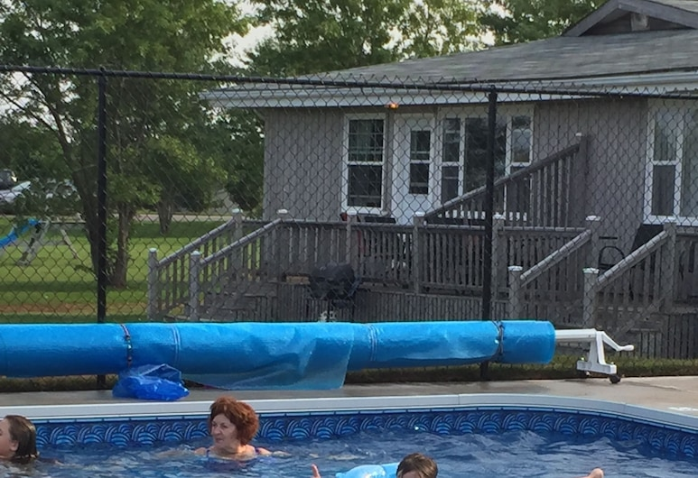 Dreamweavers Cottages and Vacation Homes, North Rustico, Outdoor Pool