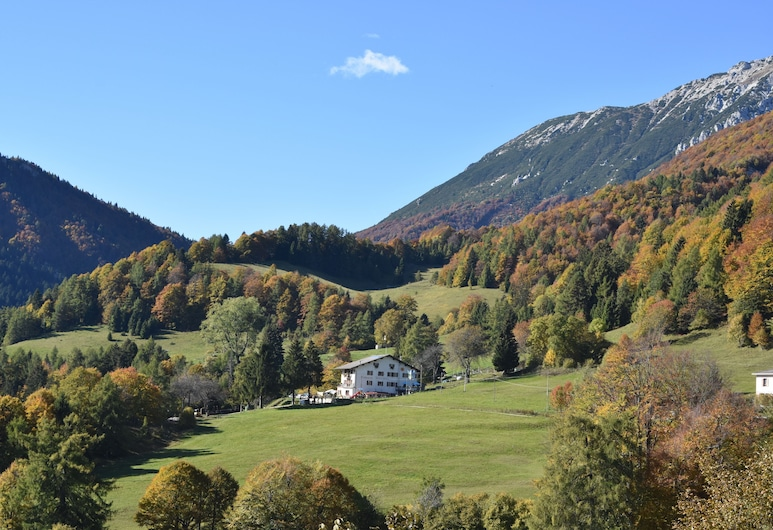 Rifugio Monte Baldo, Avio, Hotellin julkisivu