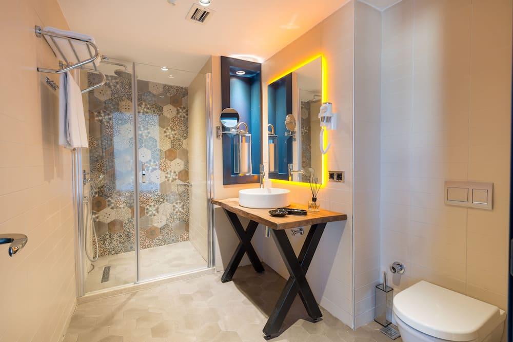 Suite (Connecting to Corner Suite Room) - Badezimmer