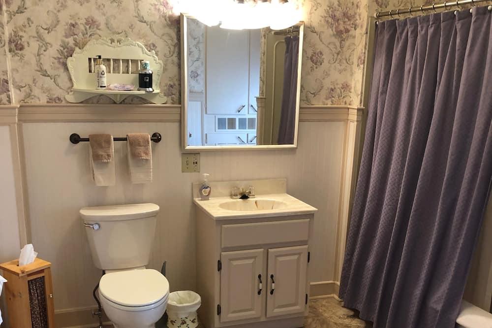 Luxe suite, 1 kingsize bed, uitzicht op bergen - Badkamer