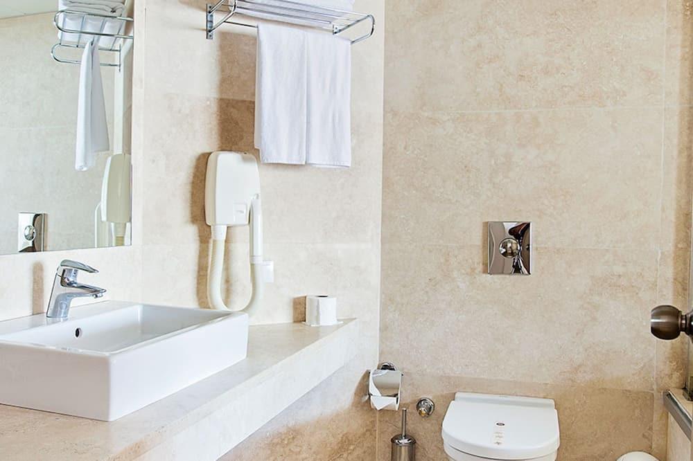 Standard Suite - Bathroom