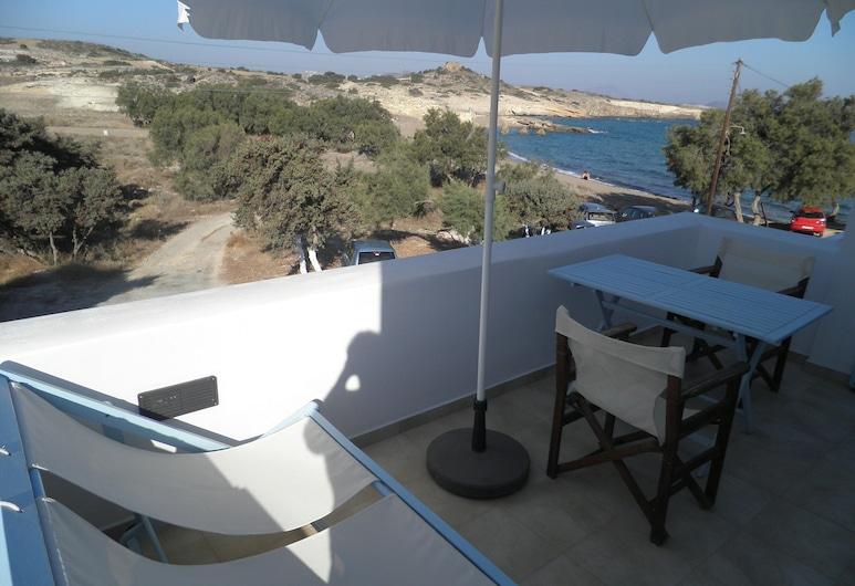 كافاليروز ستوديوز, ميلوس, شقة - غرفة نوم واحدة - بمنظر للبحر, تِراس/ فناء مرصوف