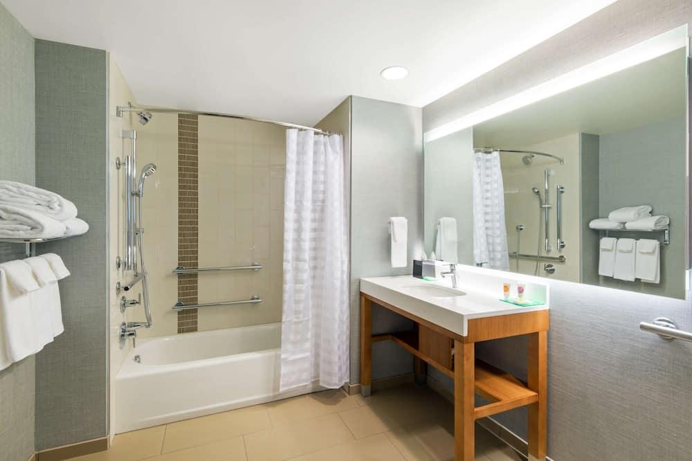 客房, 多張床, 無障礙, 浴缸 (+ Sofabed) - 浴室