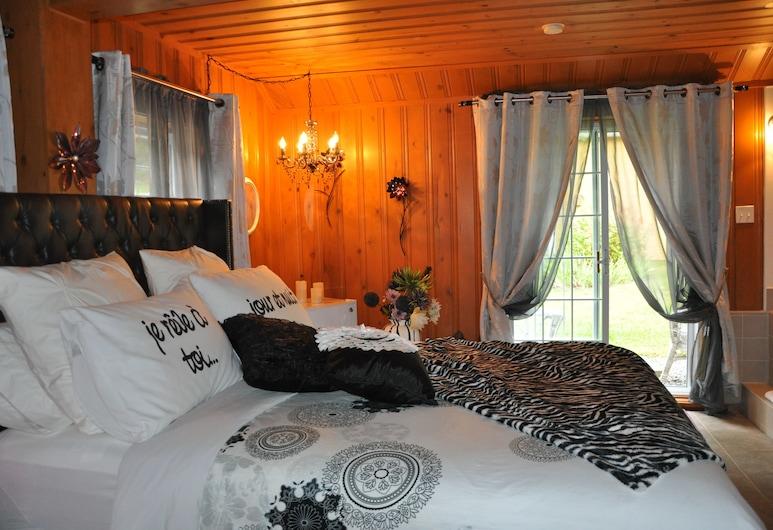 Auberge sur la Côte, La Malbaie, Deluxe Room, 1 Queen Bed, Jetted Tub (Miss Binsse), Guest Room