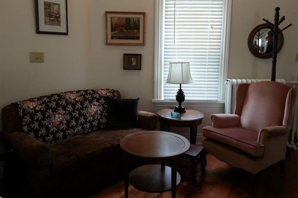 Grand Suite, 1 Bedroom - Living Area