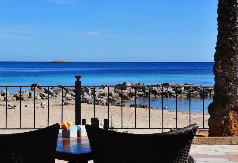 Apartamentos LLobet, Ibiza Town, Strand