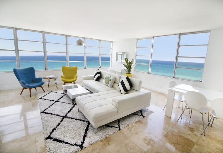 Seacoast Suites on Miami Beach, Miami Beach, Deluxe Two Bedroom Master Suite Ocean, Living Room