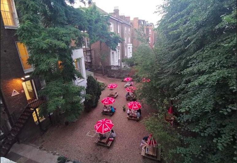 YHA London Earl's Court - Hostel, London, Garden