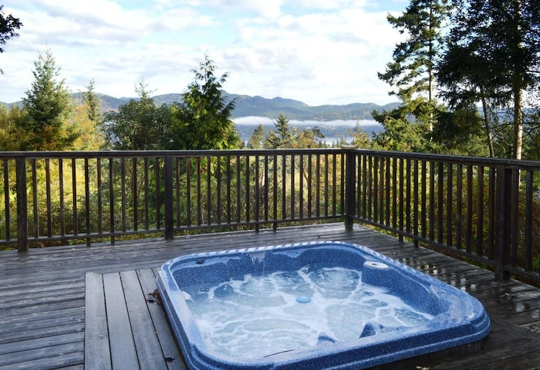 Andover Cottage by BC Island Vacation Homes, Избирательный округ Хуан-де-Фука, Спа-ванна на свежем воздухе
